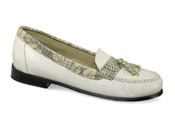 Lizzie Cream Tassel Loafer