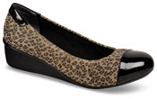 Elizabeth Leopard Stretch Pump