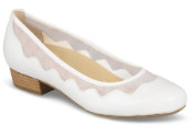 Tootsie White Dress Pump