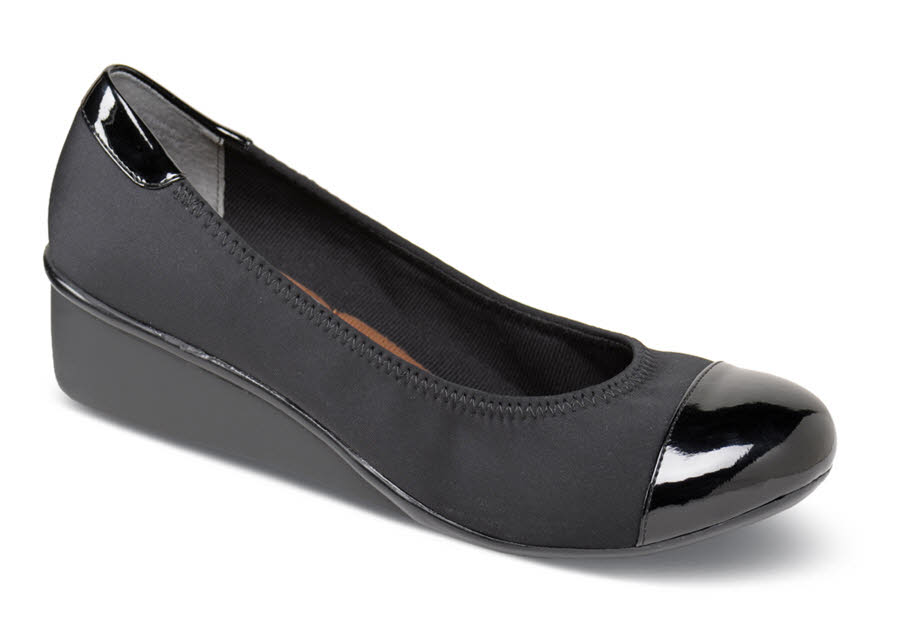 Elizabeth Black Stretch Pump